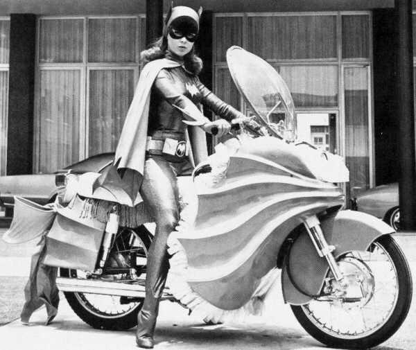 Batgirl Yvonne Craig Yamaha190