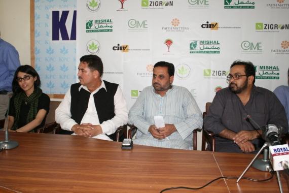 Puruesh Chaudhary at a training session at the Kashmir Press Club