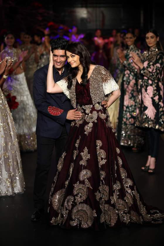 Manish Malhotra and Aishwarya Rai Bachchan at the AICW '15