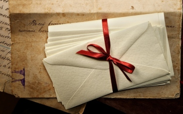 letters_envelopes_ribbon_ink_paper_old_vintage_77001_3840x2400